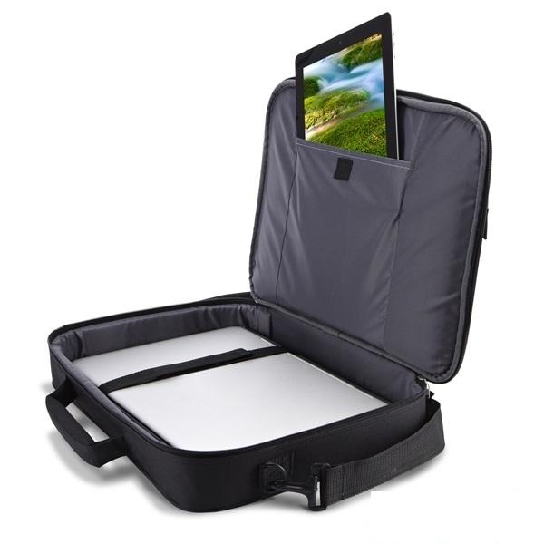 3c30fbd00c Case Logic Notebook táska 17